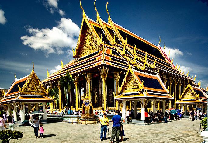 храм изумрудного